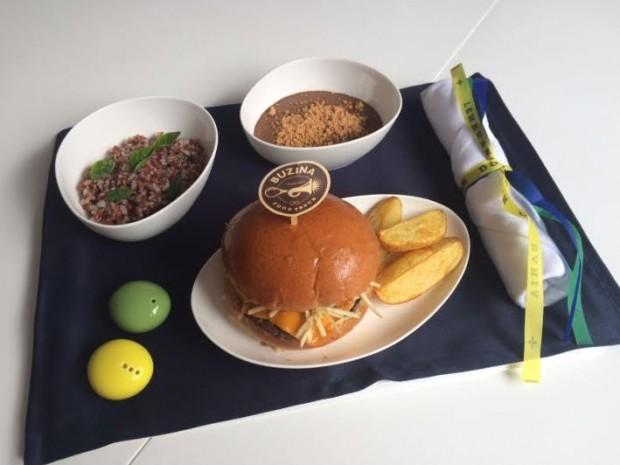Menu completo da parceria da empresa com o Buzina Food Truck / Reprodução