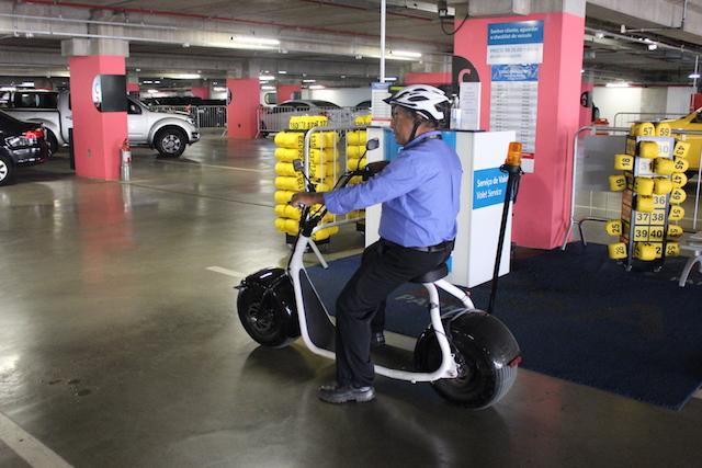 Veículos são comercializados pela empresa SEEV Brasil; garagem do terminal tem capacidade para 4 mil carros